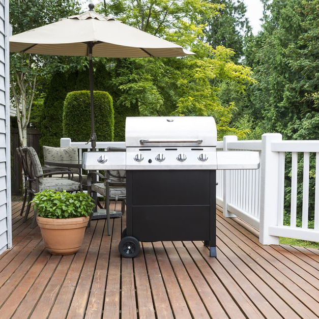 Leigh-David - Final Mile delivery - outdoor furniture and grills